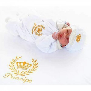 Saída de Maternidade Príncipe Luxo Branco c/ Manta